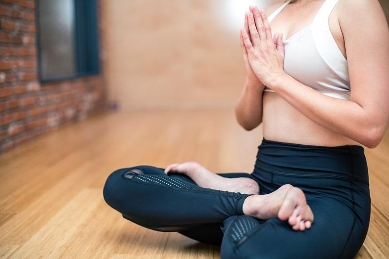 cvičení na prsa